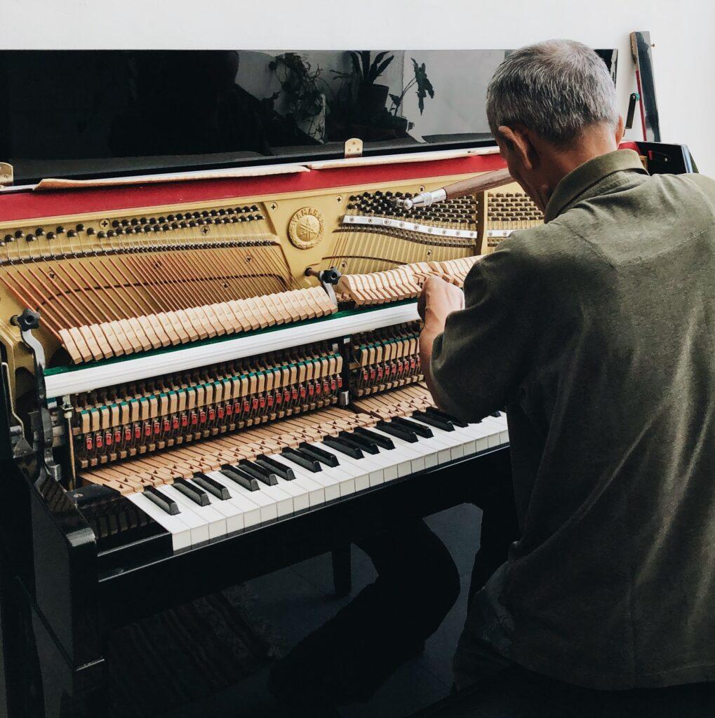 contratar-profesor-de-musica
